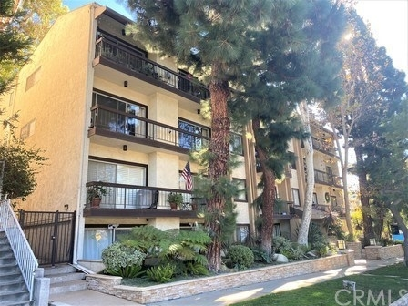 2 Bedrooms, Westwood North Village Rental in Los Angeles, CA for $3,300 - Photo 1