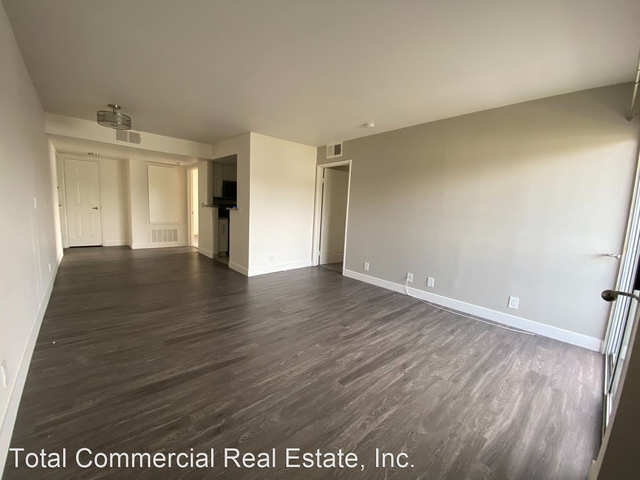 2 Bedrooms, Central Hollywood Rental in Los Angeles, CA for $2,400 - Photo 1