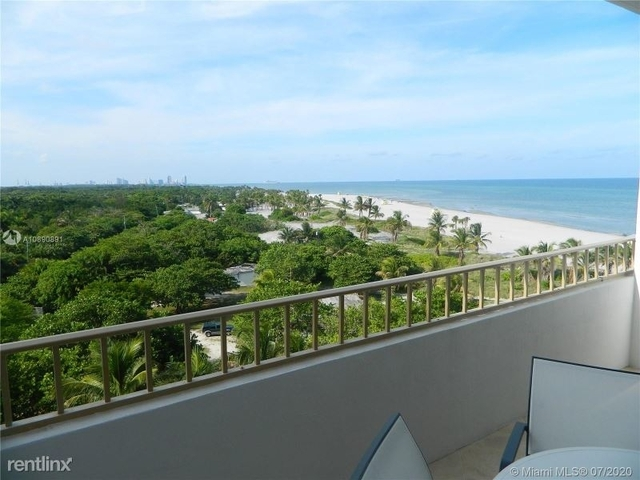 2 Bedrooms, Village of Key Biscayne Rental in Miami, FL for $3,900 - Photo 1