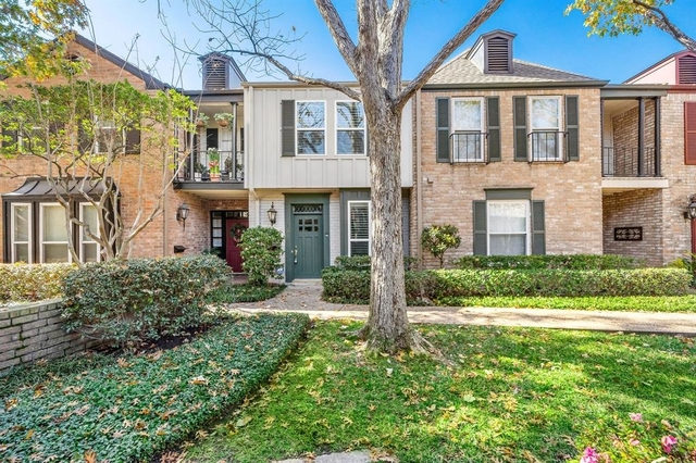 2 Bedrooms, Madison Place Townhome Rental in Houston for $2,345 - Photo 1