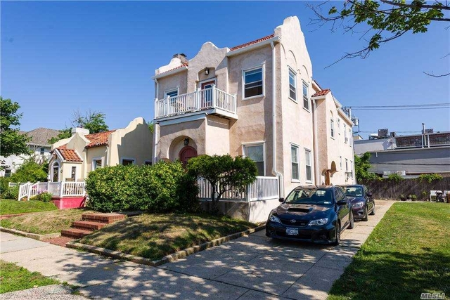 3 Bedrooms, Central District Rental in Long Island, NY for $3,250 - Photo 1