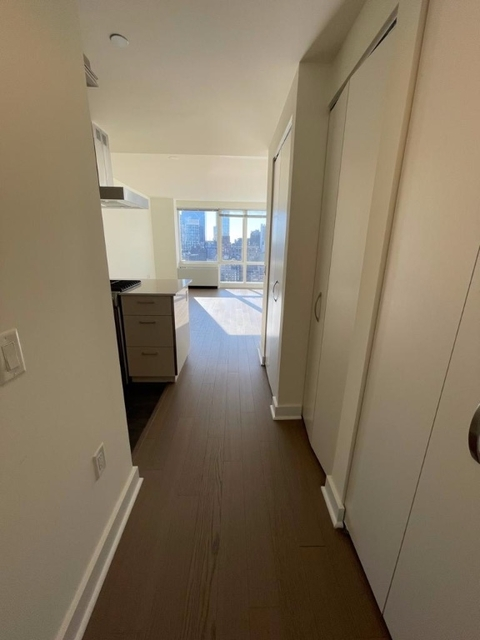 1 Bedroom, Hell's Kitchen Rental in NYC for $2,825 - Photo 1