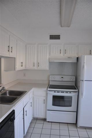 2 Bedrooms, Preston Hills Rental in Dallas for $1,195 - Photo 1