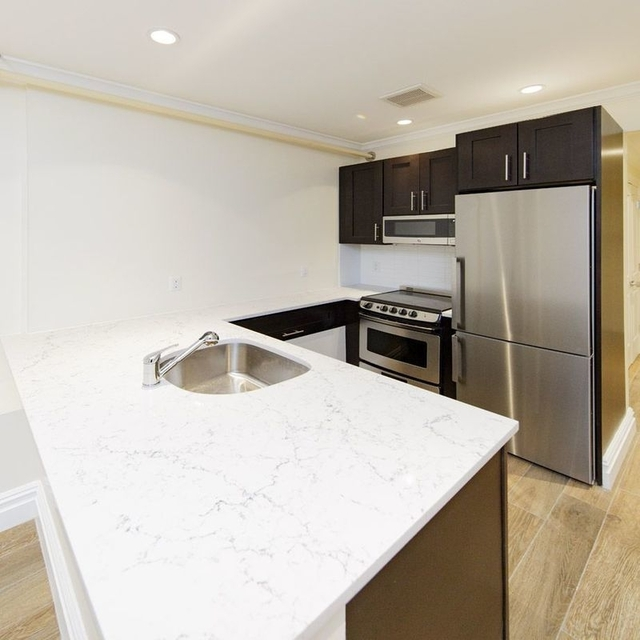 4 Bedrooms, Brooklyn Heights Rental in NYC for $3,300 - Photo 1