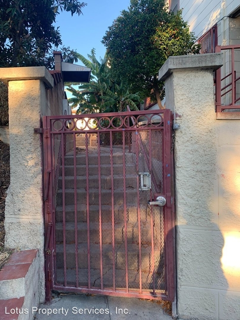 2 Bedrooms, Victor Heights Rental in Los Angeles, CA for $1,850 - Photo 1