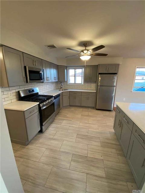 3 Bedrooms, East Rockaway Rental in Long Island, NY for $3,200 - Photo 1