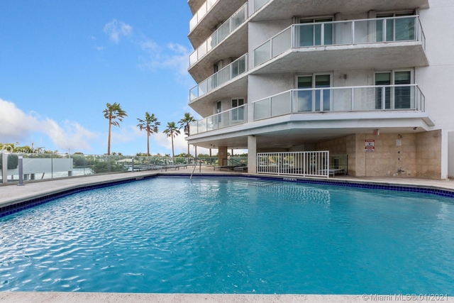 2 Bedrooms, Oceanfront Rental in Miami, FL for $2,850 - Photo 1