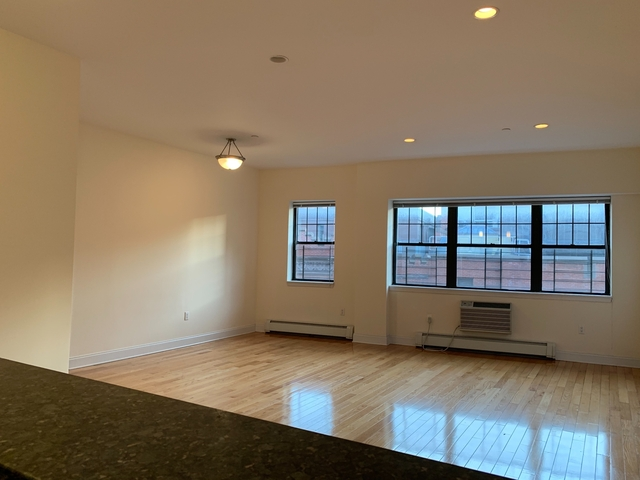 2 Bedrooms, Brooklyn Heights Rental in NYC for $4,225 - Photo 1
