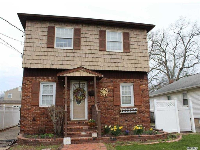 4 Bedrooms, East Meadow Rental in Long Island, NY for $3,500 - Photo 1