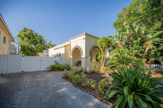 3 Bedrooms, Sunshine Park Rental in Miami, FL for $5,000 - Photo 1