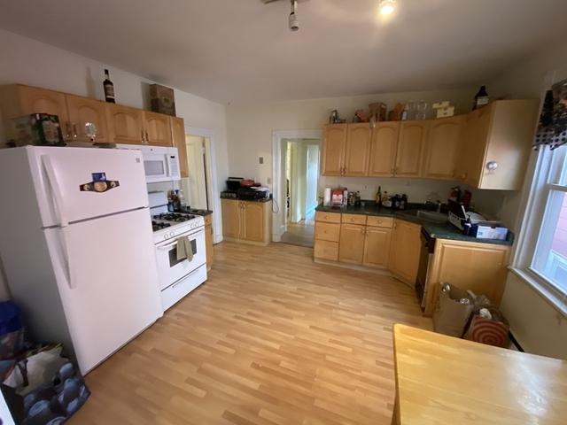 3 Bedrooms, Coolidge Corner Rental in Boston, MA for $2,900 - Photo 1