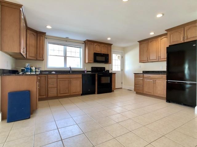 3 Bedrooms, Newton Corner Rental in Boston, MA for $3,000 - Photo 1
