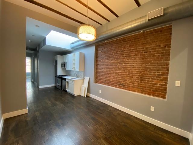 4 Bedrooms, Ridgewood Rental in NYC for $3,600 - Photo 1