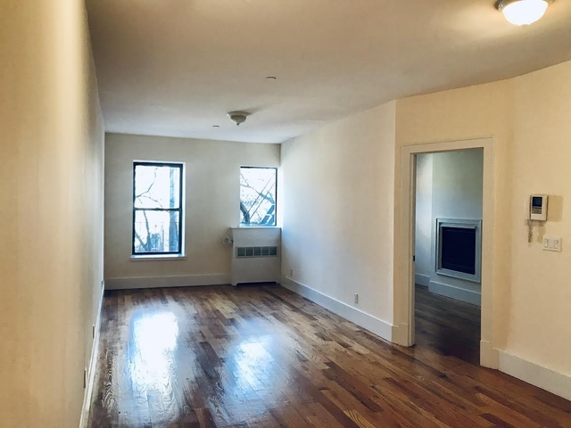 3 Bedrooms, Hell's Kitchen Rental in NYC for $3,390 - Photo 1