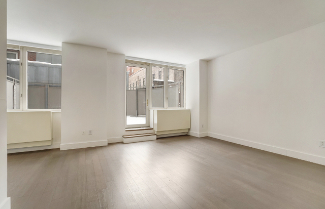 Studio, Civic Center Rental in NYC for $2,010 - Photo 1