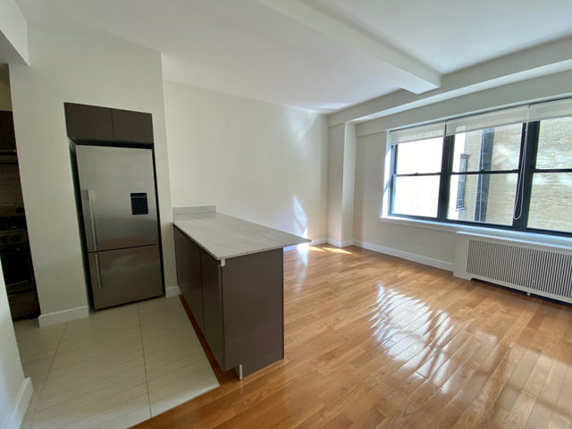 1 Bedroom, Sutton Place Rental in NYC for $2,571 - Photo 1