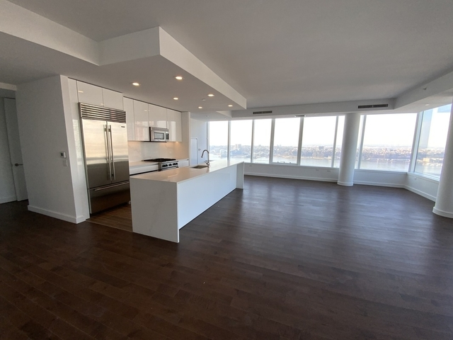 3 Bedrooms, Hell's Kitchen Rental in NYC for $9,999 - Photo 1