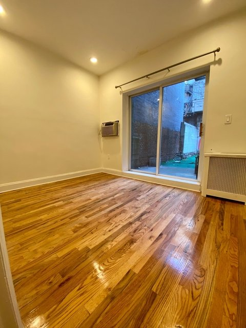 2 Bedrooms, Alphabet City Rental in NYC for $3,400 - Photo 1