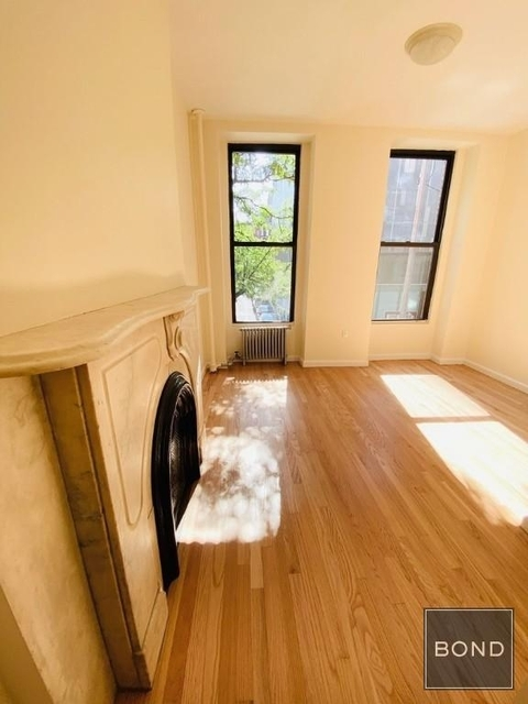 2 Bedrooms, East Village Rental in NYC for $3,329 - Photo 1