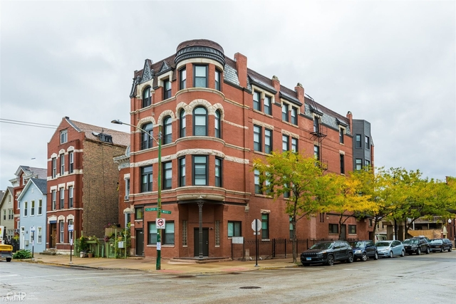 2 Bedrooms, Heart of Chicago Rental in Chicago, IL for $1,995 - Photo 1