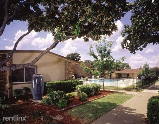 2 Bedrooms, Highland Meadows Rental in Dallas for $985 - Photo 1