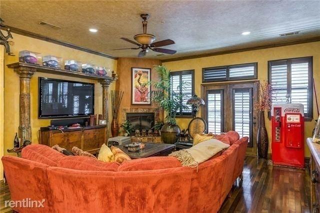 3 Bedrooms, Arlington Rental in Dallas for $2,950 - Photo 1