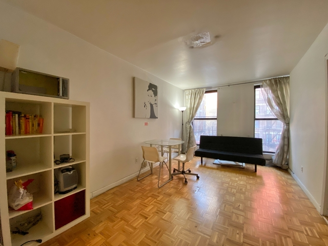 3 Bedrooms, Hell's Kitchen Rental in NYC for $2,350 - Photo 1