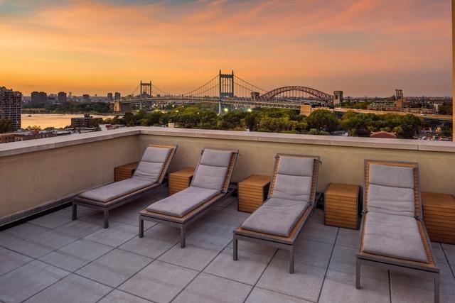 2 Bedrooms, Astoria Rental in NYC for $2,581 - Photo 1