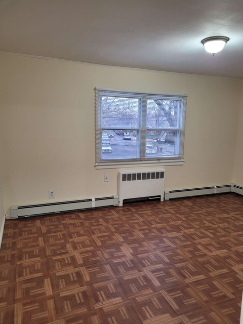 1 Bedroom, Queensboro Hill Rental in NYC for $1,600 - Photo 1