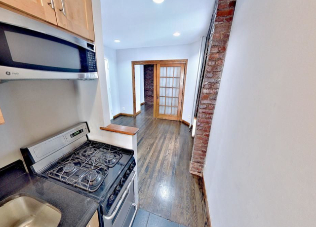 3 Bedrooms, East Village Rental in NYC for $2,995 - Photo 1