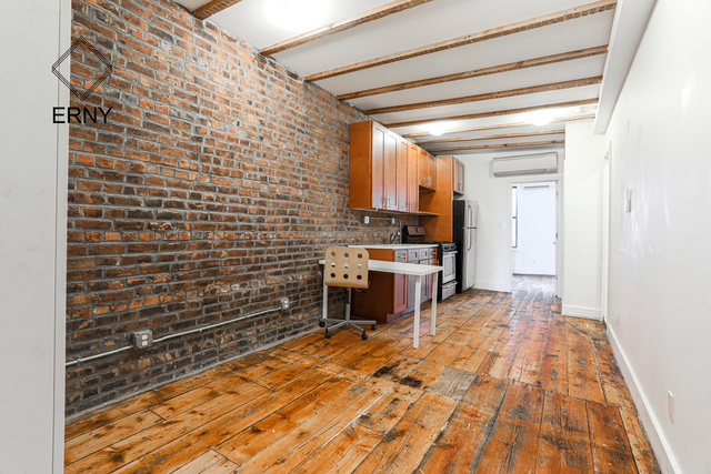 3 Bedrooms, Williamsburg Rental in NYC for $2,150 - Photo 1