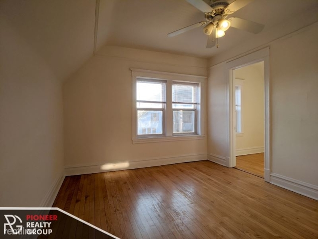 3 Bedrooms, Lathrop Rental in Chicago, IL for $1,495 - Photo 1