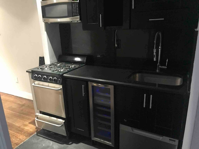 3 Bedrooms, Hell's Kitchen Rental in NYC for $2,771 - Photo 1