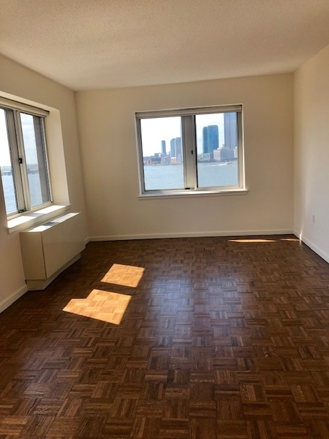 3 Bedrooms, Battery Park City Rental in NYC for $5,995 - Photo 1