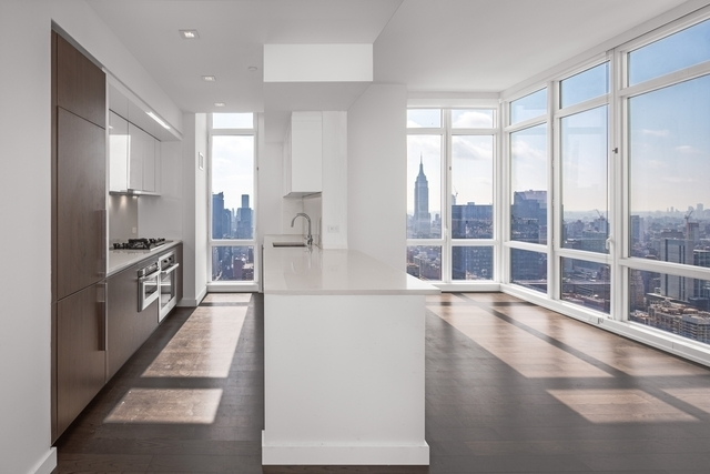 2 Bedrooms, Hell's Kitchen Rental in NYC for $5,520 - Photo 1