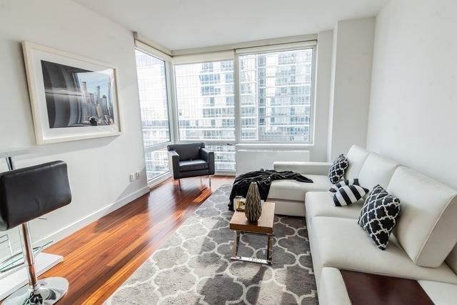 2 Bedrooms, Hell's Kitchen Rental in NYC for $5,785 - Photo 1