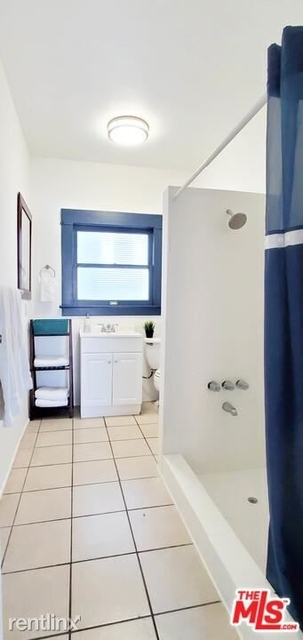3 Bedrooms, Venice Beach Rental in Los Angeles, CA for $9,595 - Photo 1