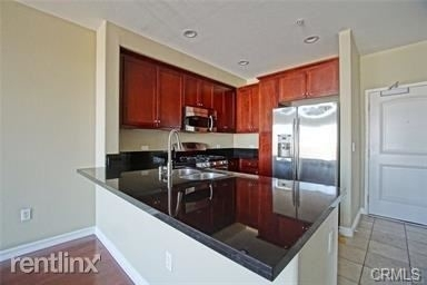 2 Bedrooms, Arts District Rental in Los Angeles, CA for $3,000 - Photo 1