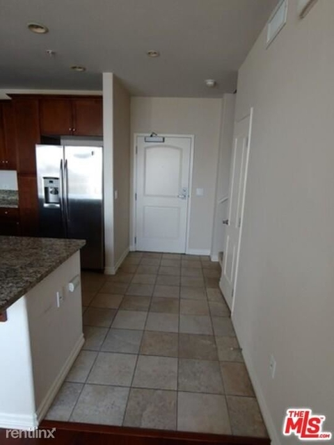 2 Bedrooms, Arts District Rental in Los Angeles, CA for $3,100 - Photo 1