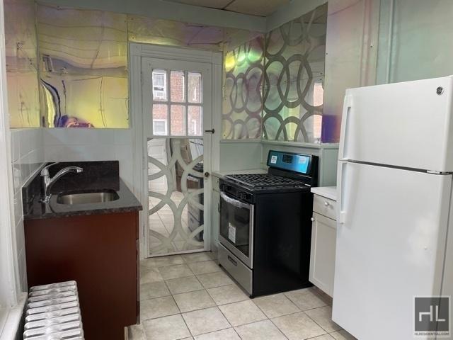 3 Bedrooms, Kensington Rental in NYC for $2,300 - Photo 1