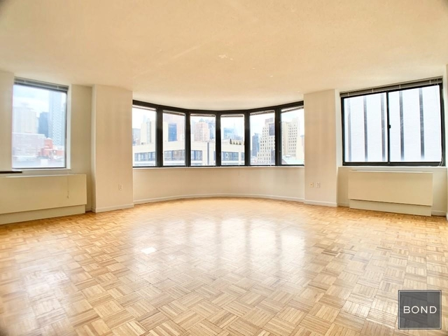 2 Bedrooms, Hell's Kitchen Rental in NYC for $4,577 - Photo 1