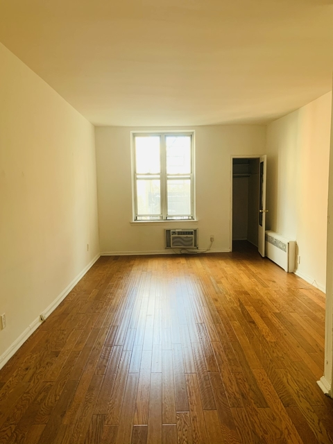 Studio, Yorkville Rental in NYC for $1,450 - Photo 1