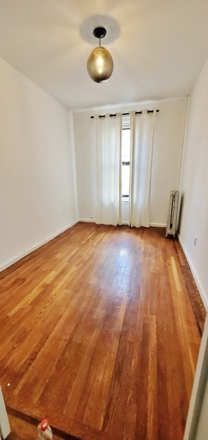 2 Bedrooms, Ditmars Rental in NYC for $2,275 - Photo 1