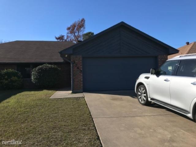 3 Bedrooms, Northridge Rental in Dallas for $1,675 - Photo 1
