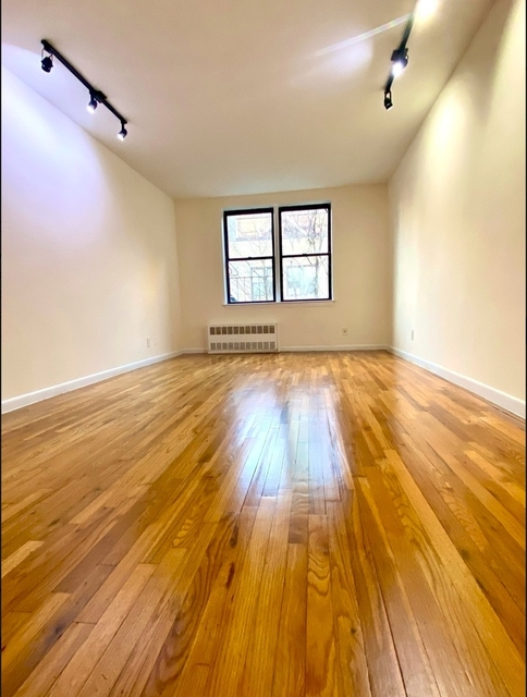 Studio, Yorkville Rental in NYC for $1,581 - Photo 1