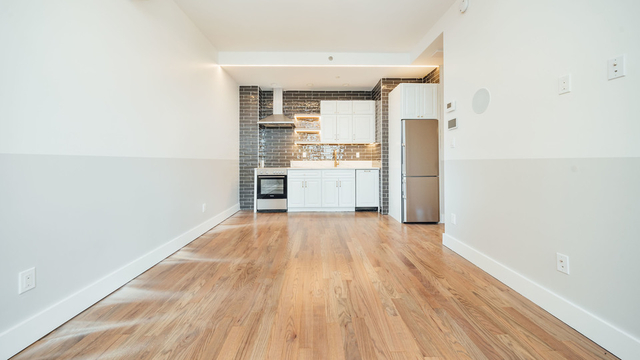 1 Bedroom, Bushwick Rental in NYC for $1,975 - Photo 1