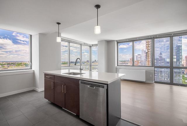 2 Bedrooms, Chelsea Rental in NYC for $6,867 - Photo 1