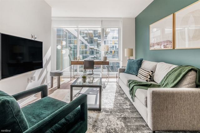 2 Bedrooms, Fulton Market Rental in Chicago, IL for $3,492 - Photo 1