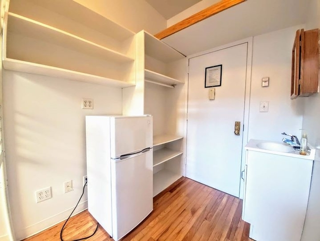 Studio, East Village Rental in NYC for $995 - Photo 1