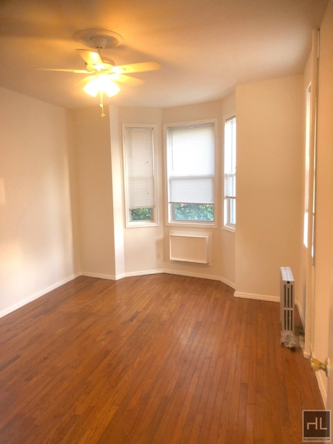 3 Bedrooms, Greenpoint Rental in NYC for $2,700 - Photo 1